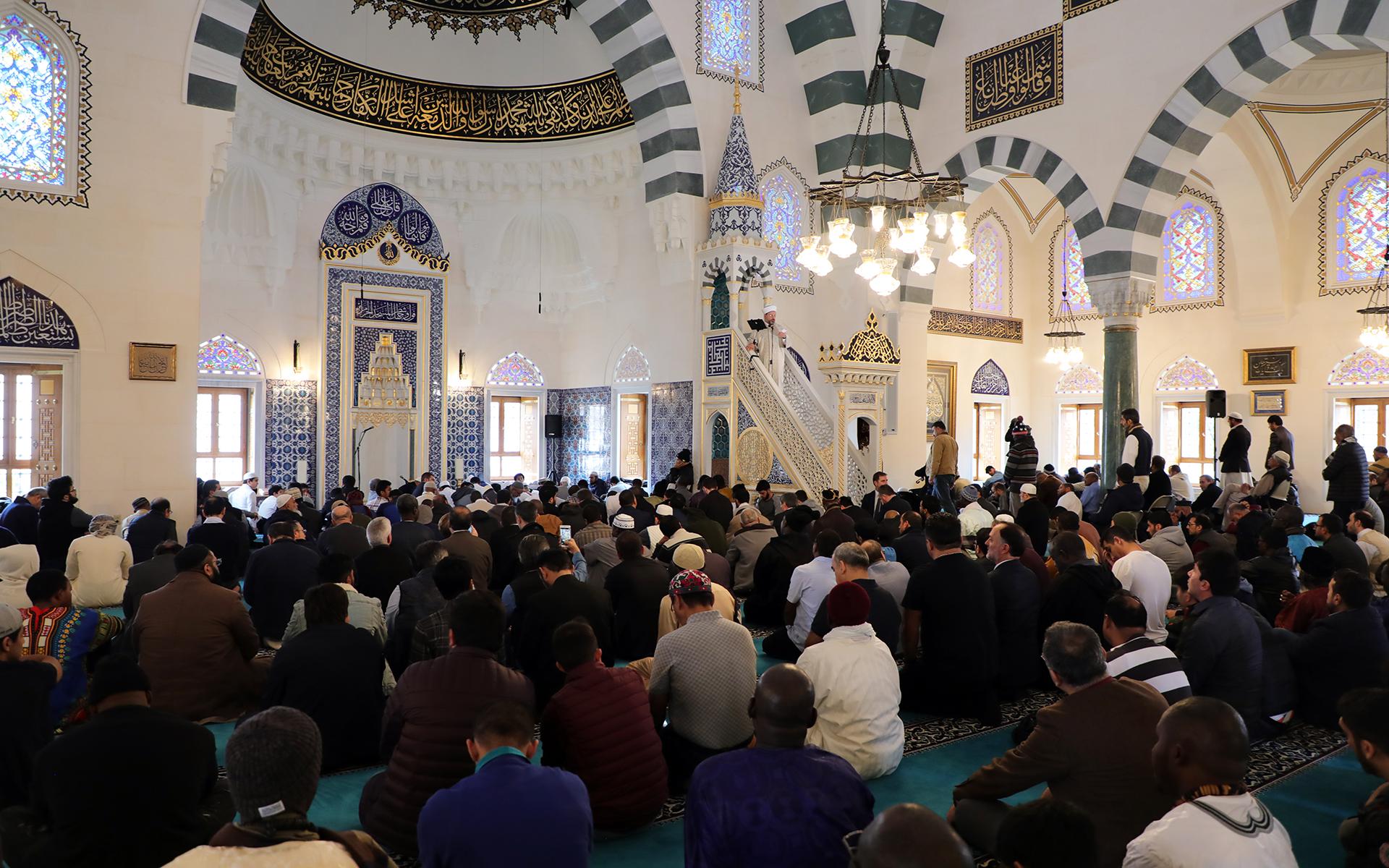 juma-prayer-khutbah-diyanet-isleri-baskani-2