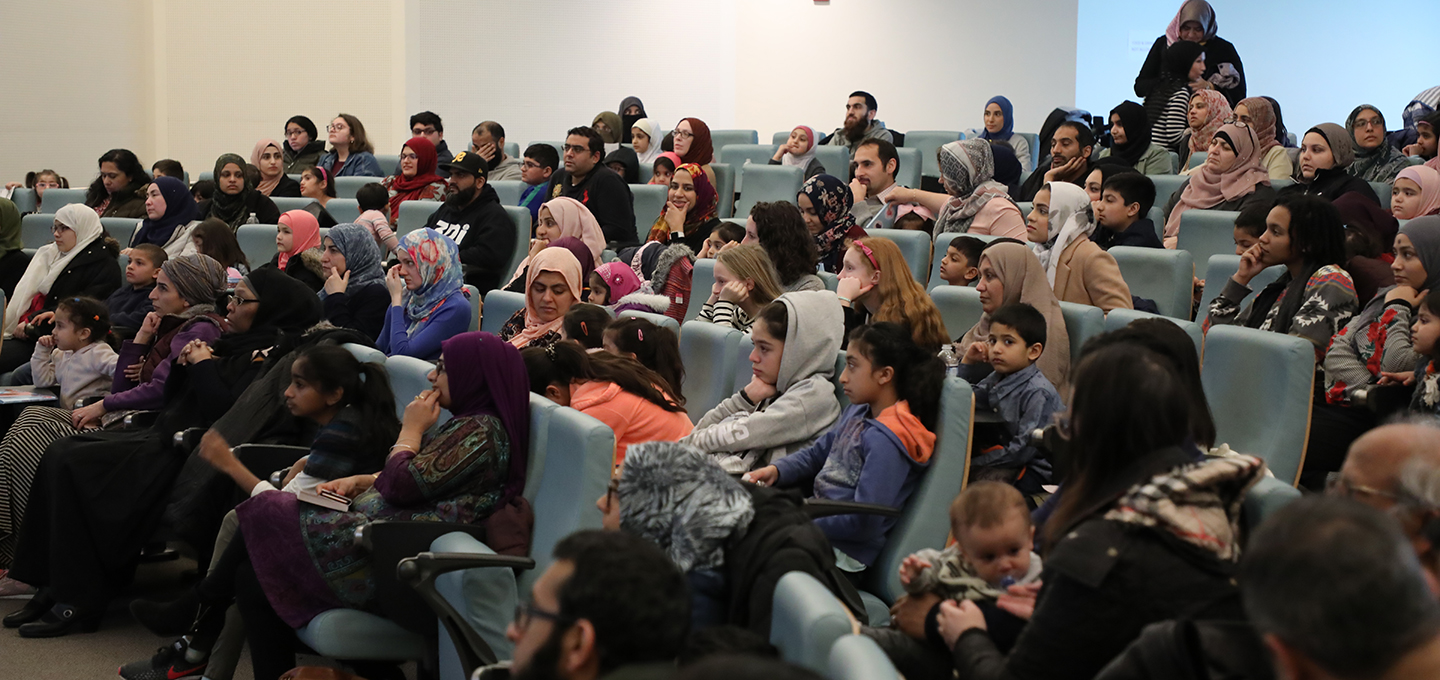community-storytime-hena-khan-diyanet-center-america-7